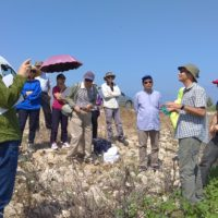 Dr. Harel describes the dynamics of cyanobacteria blooms in the water reservoirs to a delegation of scientists from China